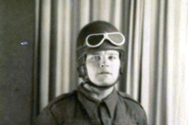 Army Despatch Rider - Cyril Kinnings