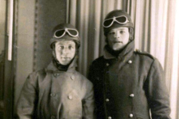 Army Despatch Riders - Cyril Kinnings and his brother