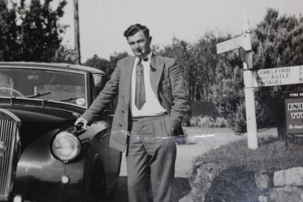 Bill Oliver with his Sunbeam Rapier, 1952