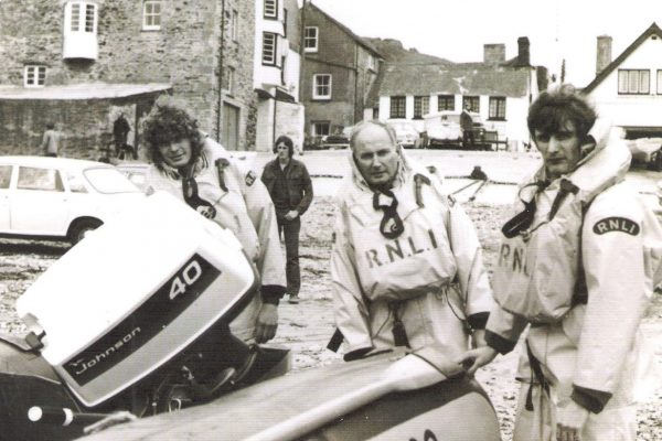 A lifeboat family, 1974