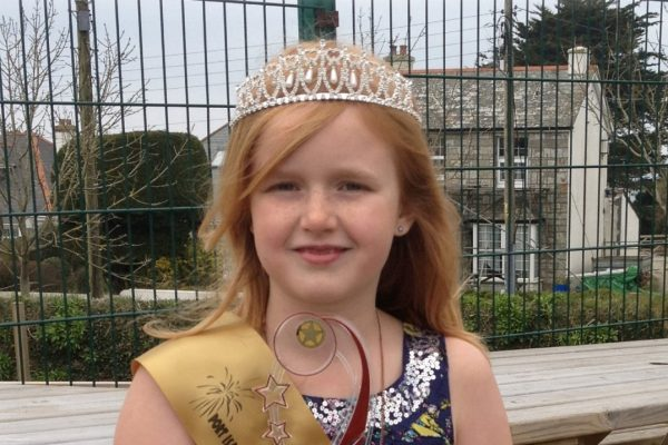 Demelza is crowned Port Isaac Carnival Queen 2013